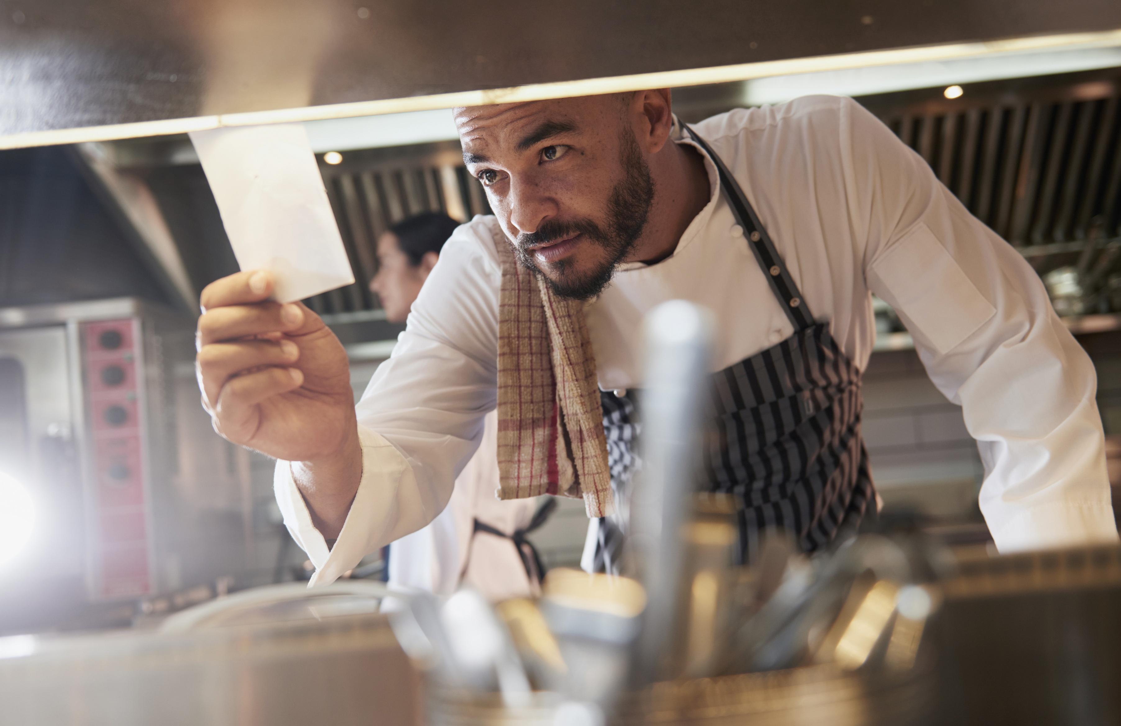 3 ways mobile forms ensure safe food handling in restaurants.jpg